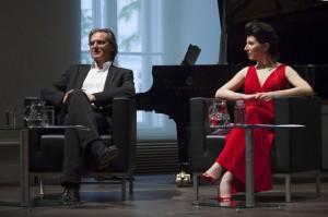 Roland Geyer und Elisabeth Kulman - Foto: Stephan Polzer
